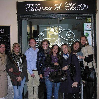 La taberna de El Chato. amigos