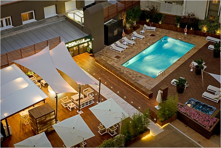 Hotel wellington estilo rus for Terraza piscina madrid