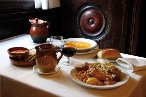 La Bola, cocido madrileño, Madrid, tabernas